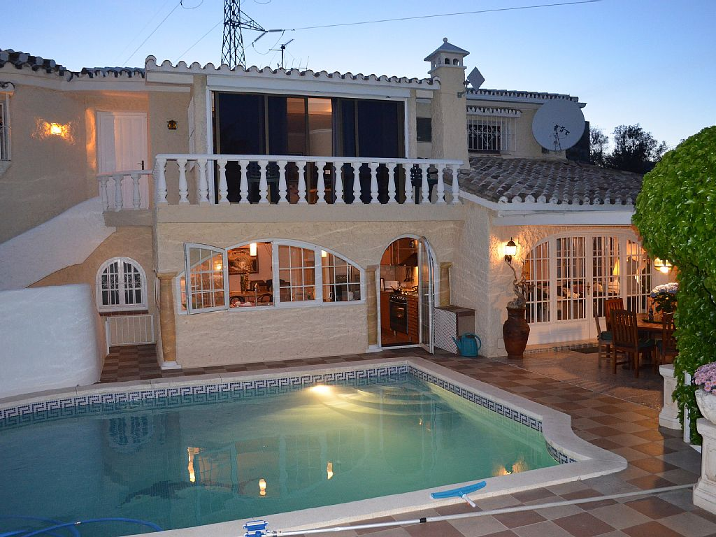 4 Bed Short Term Rental Villa Malaga area
