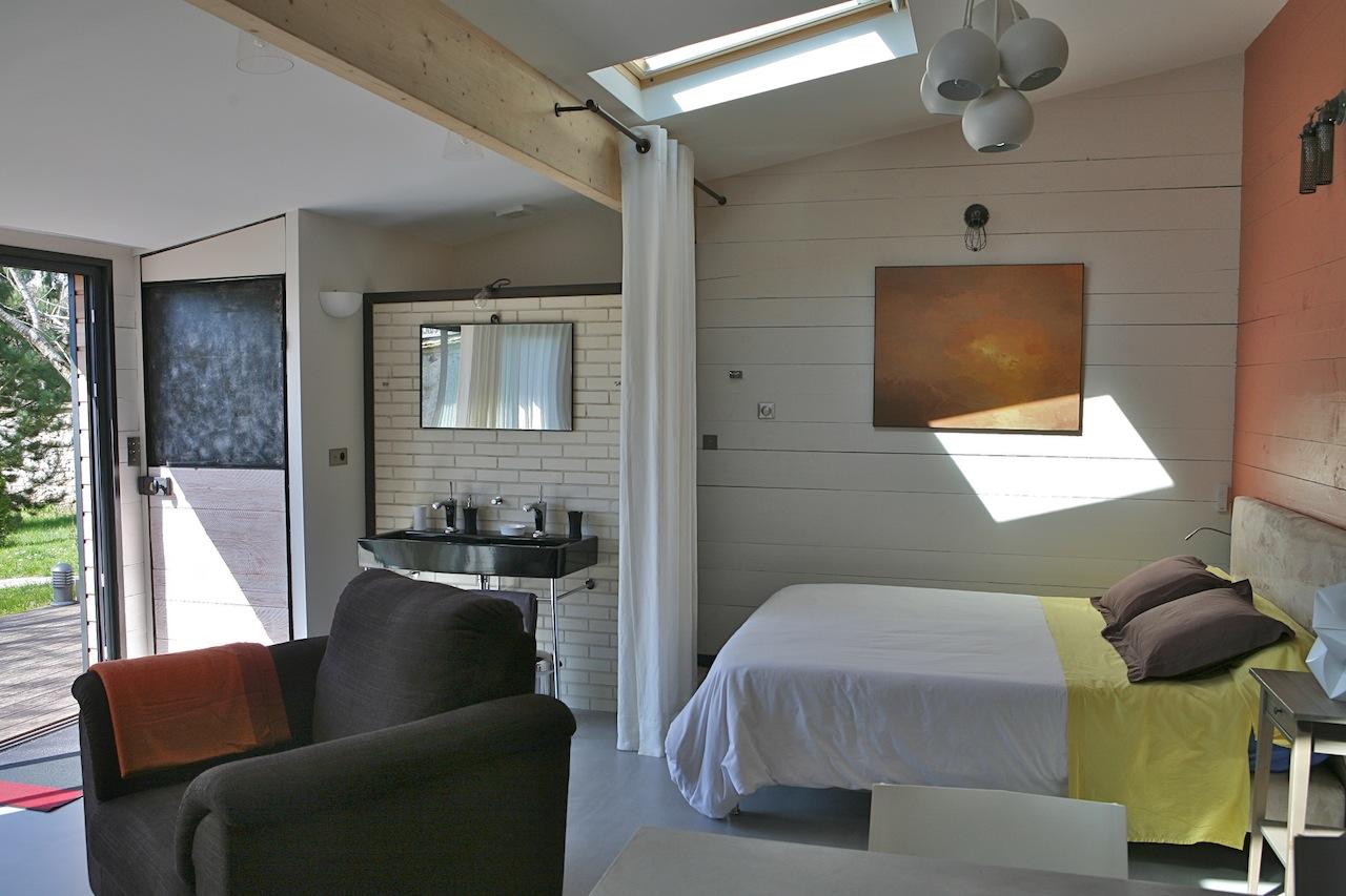 1 Bed Short Term Rental House Paris