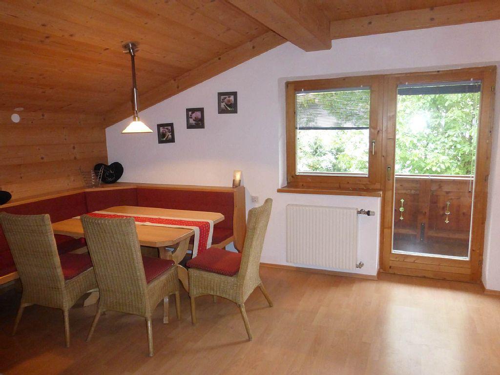 Wohnung Vermietung: 2 Schlafzimmer, Schlafmöglichkeiten für 6 in Fügen