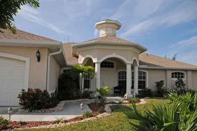 4 Bed Short Term Rental Villa cape coral