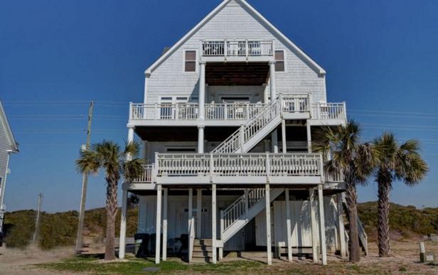 Island Drive 3682