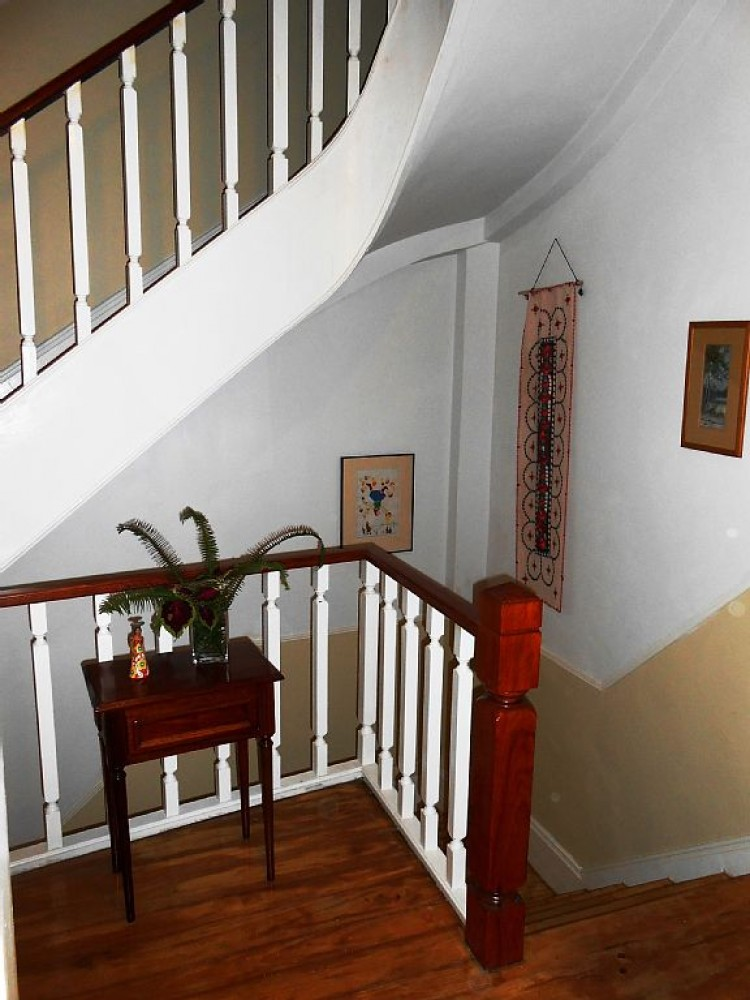 Porto vacation rental with Landing to the first floor apartment.
