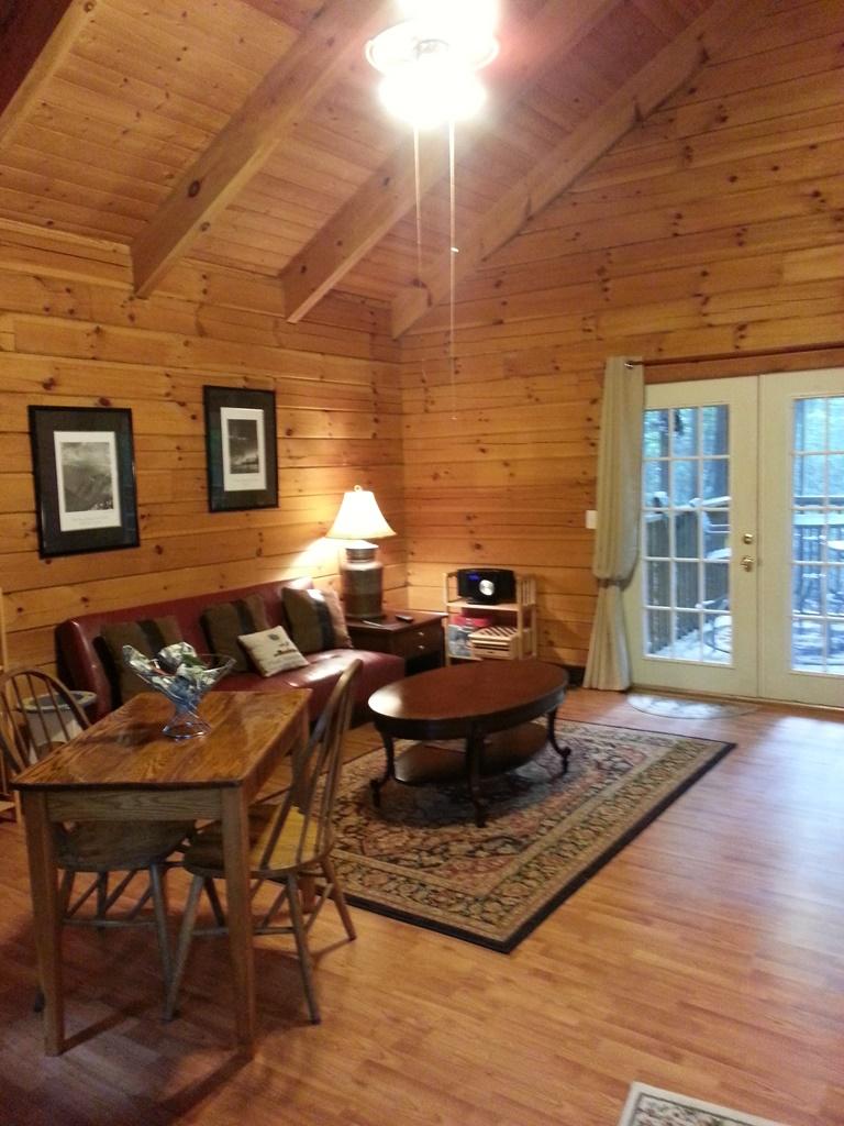 Big Living Room Airbnb Alternative helen Georgia Rentals