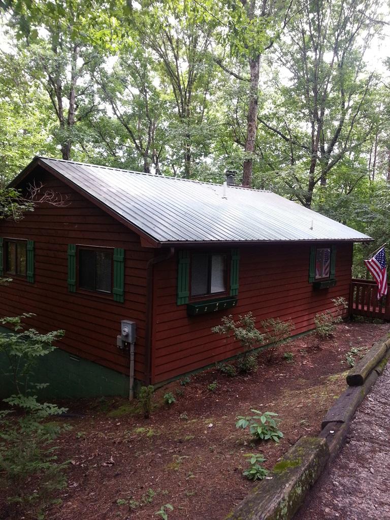 2 Bed Short Term Rental Cabin helen