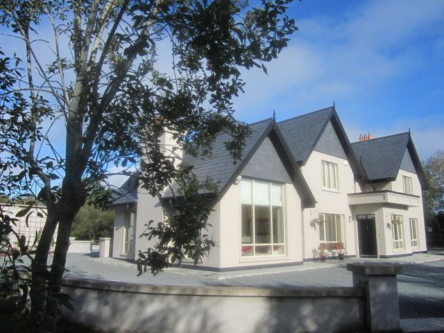 Luxury House by the Lakes of Killarney