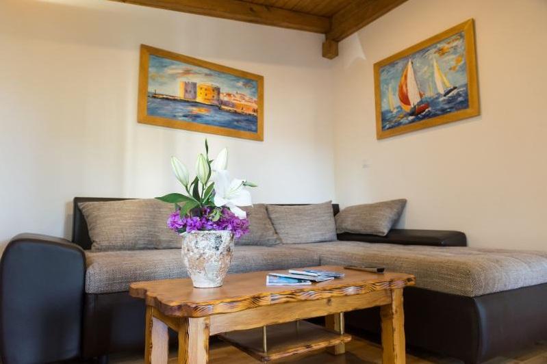 2 Bed Short Term Rental Apartment Lapad