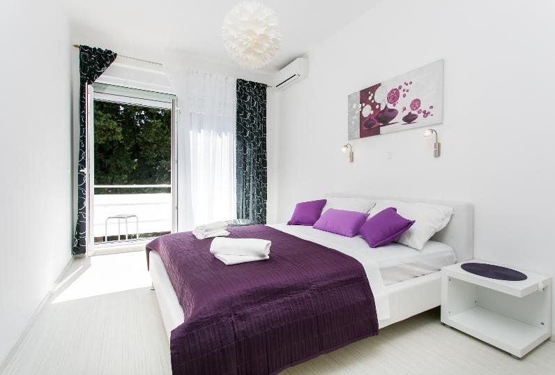 1 Bed Short Term Rental Apartment Gruz