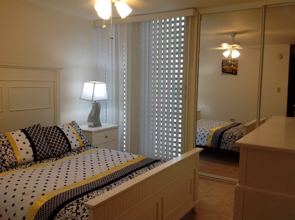 Cabo Rojo vacation rental with 2nd bedroom has queen size bed, a/c and ceiling fan