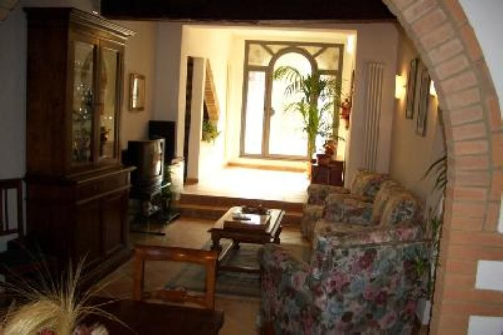 2 Bed Short Term Rental Apartment Monticiano