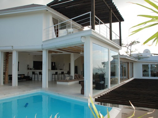 6 BEDROOM VILLA WITH OCEAN VIEW INSIDE GATED COMMUNNITY