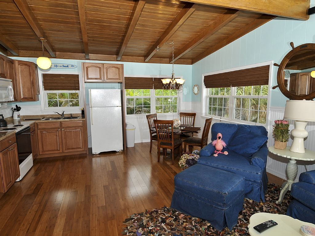 2 Bed Short Term Rental Cottage fort myers beach