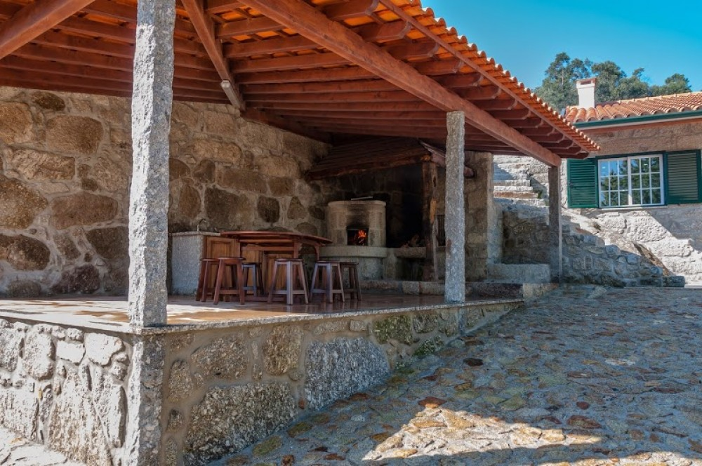Arcos de Valdevez vacation rental with Churrasqueira