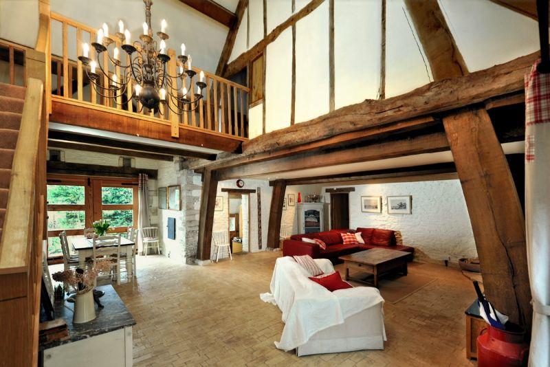 4 Bed Short Term Rental House Bath