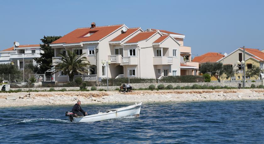 2 Bed Short Term Rental Villa Zadar