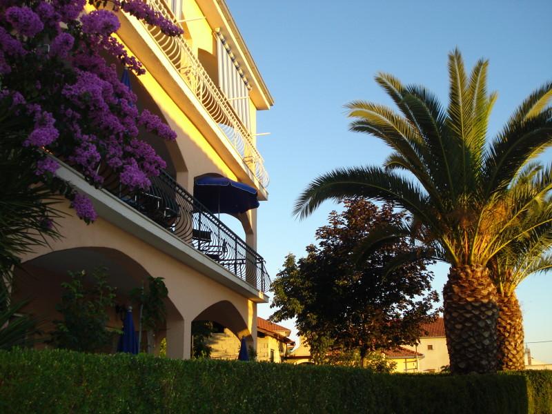 2 Bed Short Term Rental Apartment Ciovo