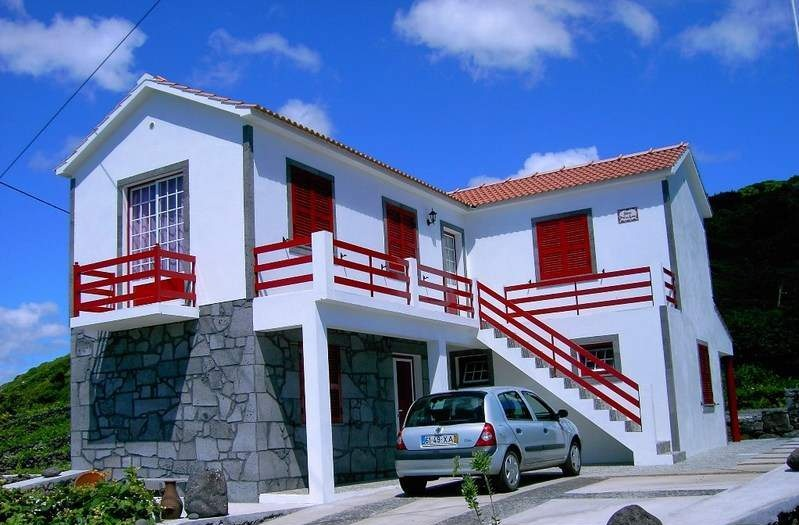 3 Bed Short Term Rental House Pico Island