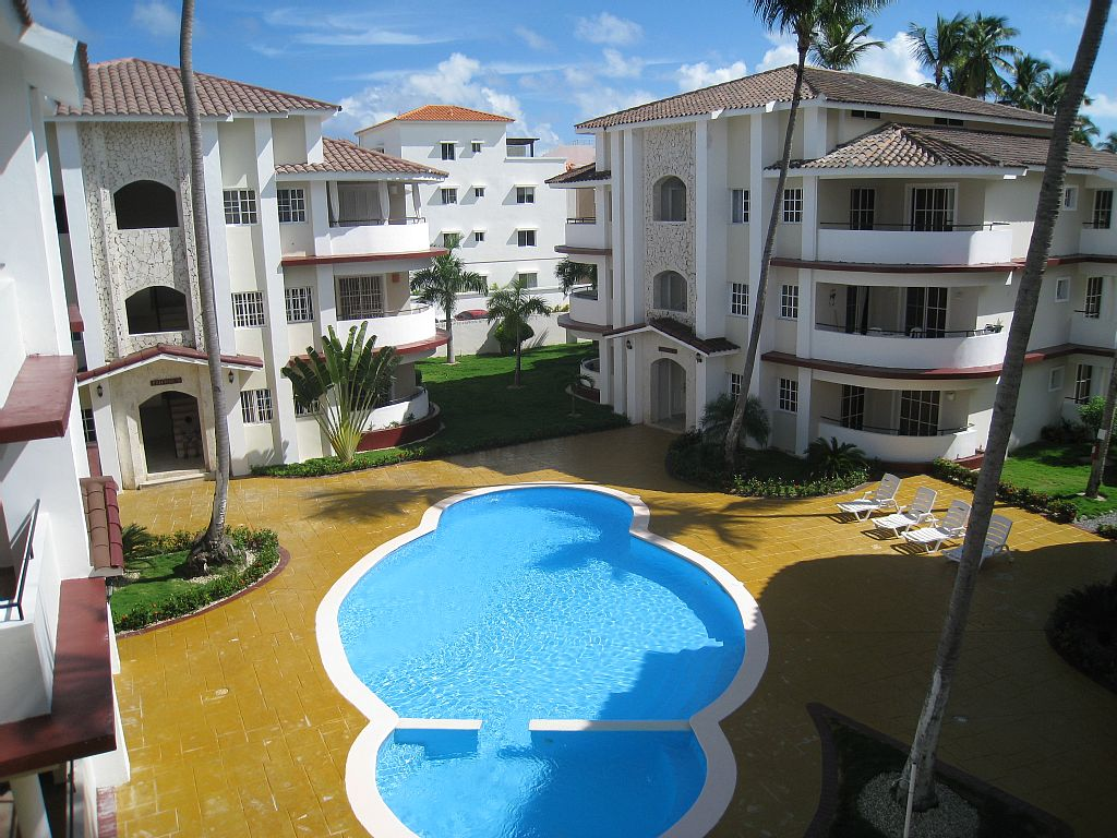 AFFORDABLE 2 BED CONDO CLOSE TO BAVARO BEACH