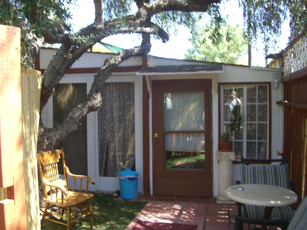 Cabin/Guest House Country Like Surrounded with Trees,Private Yard